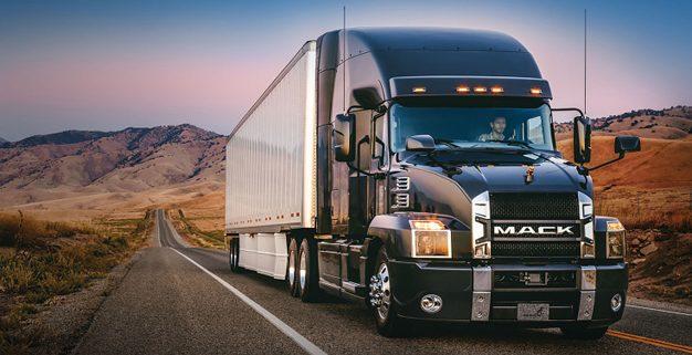 UbiTec Las razones por las que el rastreo GPS puede ayudar tu flotilla monitoreo gps camiones trailer carretera camion grande