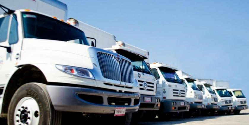 UbiTec - Elimina el robo de combustible con GPS - flotillas color blanco